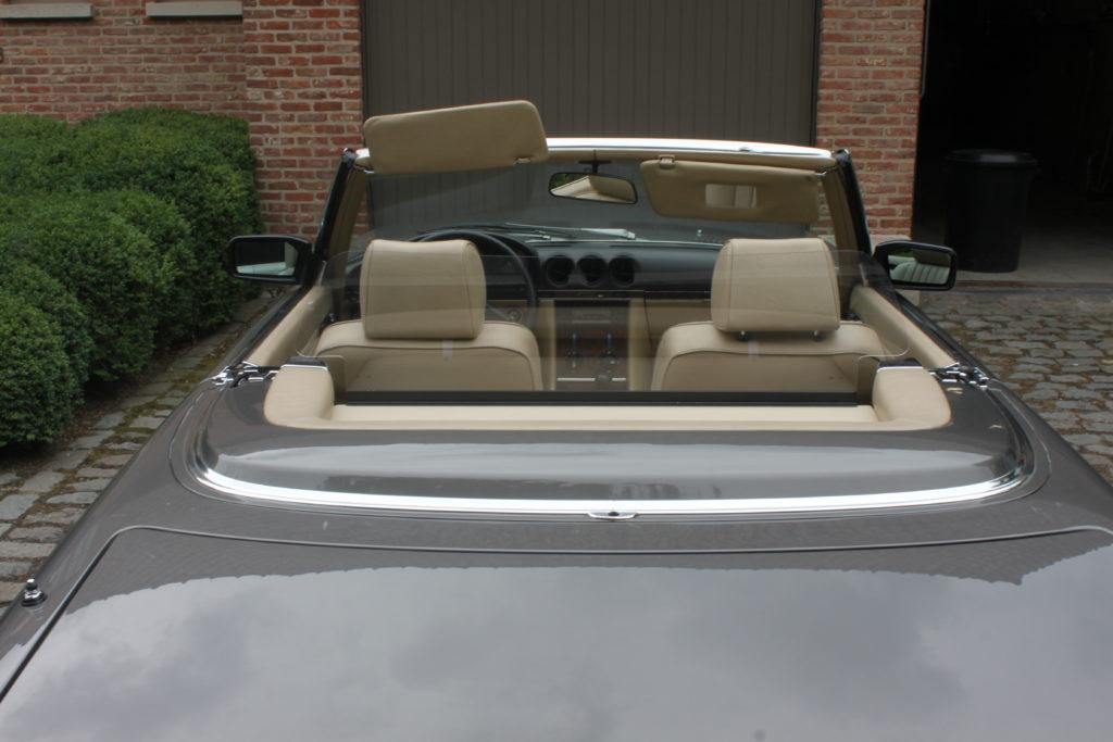 M 030 Mercedes W107 3
